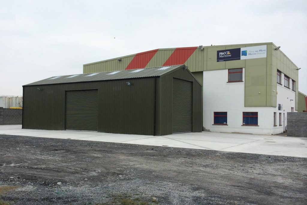 18m x 9.2m Bronze Range unit with 5m side walls