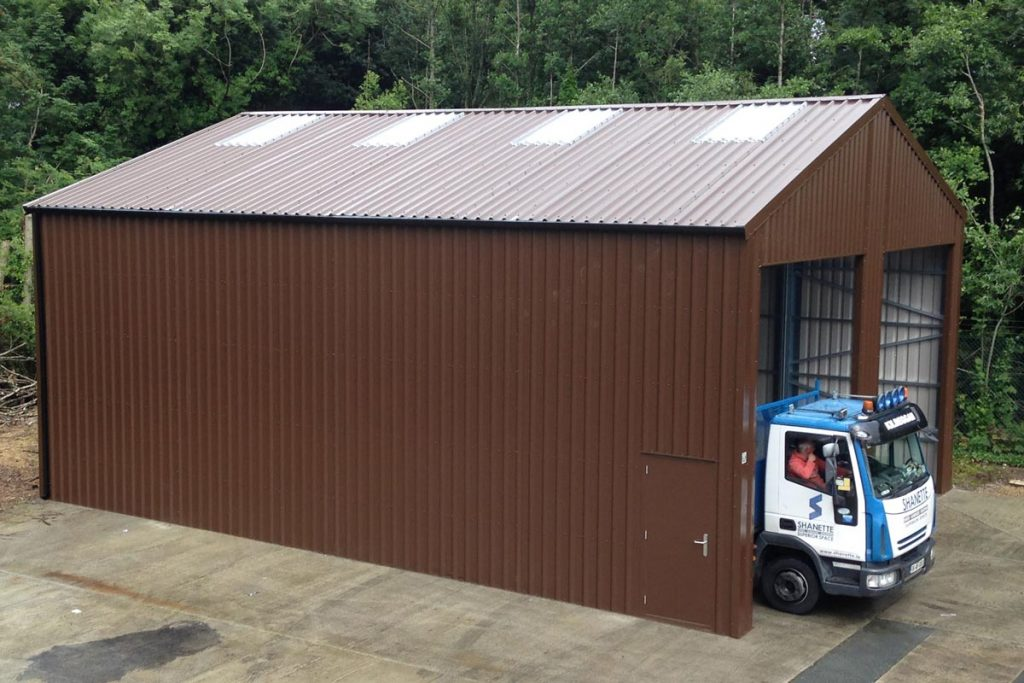 12.2m x 9.2m, 4m walls Bronze Range Unit with 25mm roof insulation