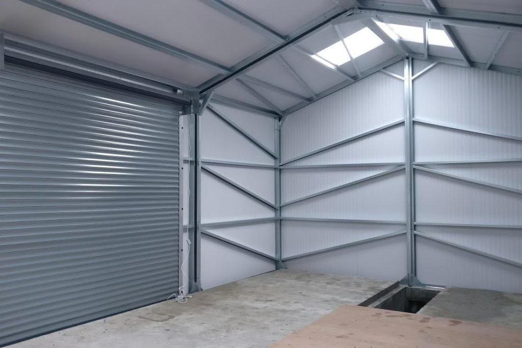 Gold Range Storage Unit Interior